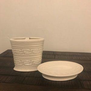 Kassatex White Toothbrush Holder & Soap Dish Set